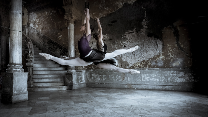 Ballerinas on a Nomad Photo Tour