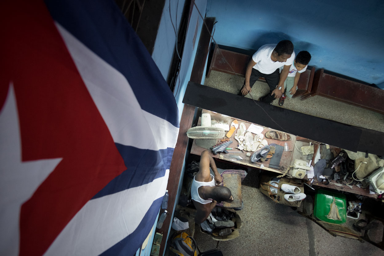 Phoro session in a shop Cuba