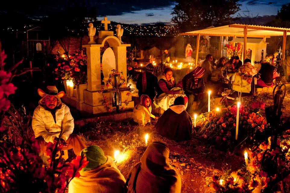 praying im the night at oaxaca